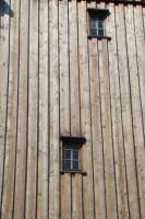 Die Bockwindmühle - Fassade mit Fenstern