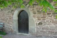 Torstudie an der alten Stadtmauer